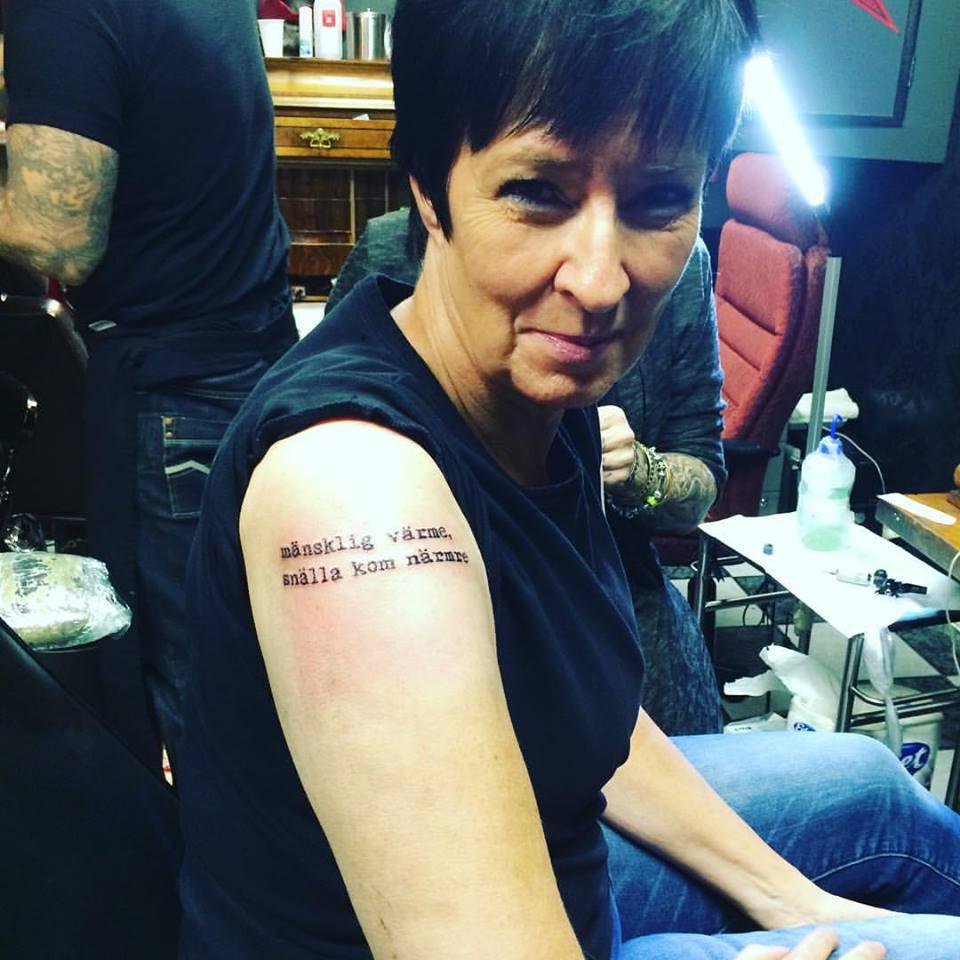 mona sahlin tatuering
